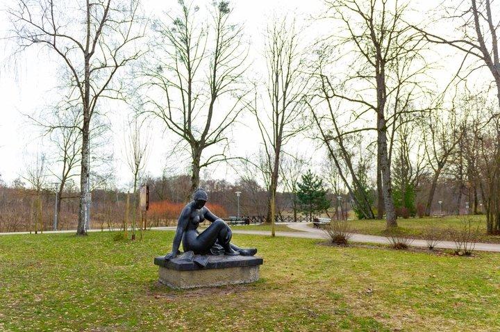 Skulptūra Poilsis