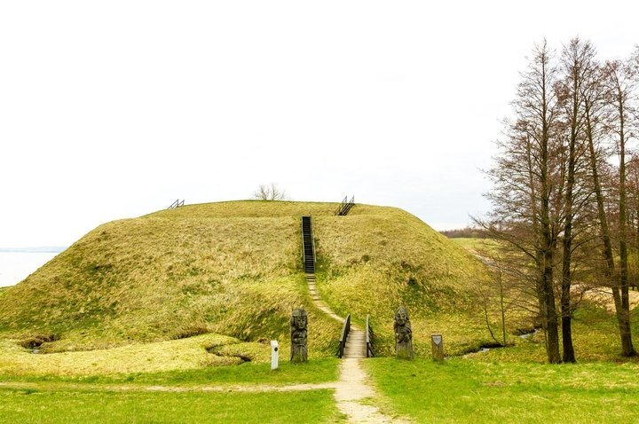 Prelomciškė Mound with Ancient Settlement